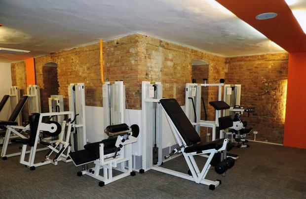 Living room fitness nyitvatart s Living room gym